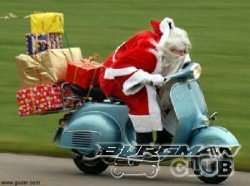 Санты тоже любят скутеры