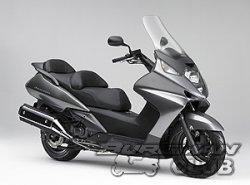 Скутеры Honda Silver Wing меняет  цвет
